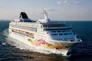 Norwegian Cruise Line Norwegian Sky Mainstream Cruise Ship