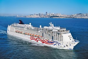 Norwegian Cruise Line Pride of America Mainstream Cruise Ship