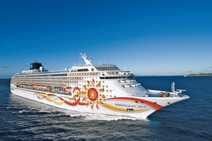 Norwegian Cruise Line Norwegian Sun Mainstream Cruise Ship