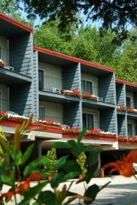 The Cliff Dwellers Resort