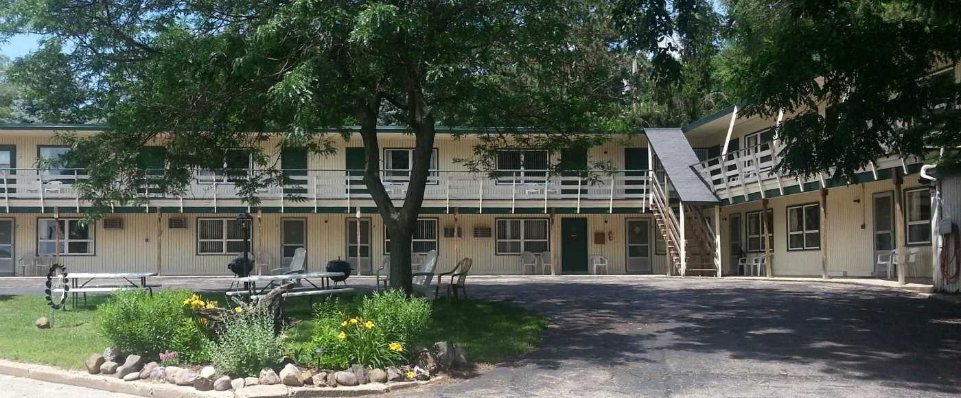 Delton Oaks Resort Motel
