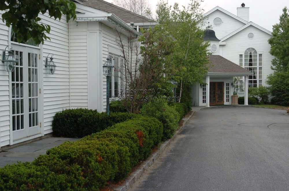Copperfield Inn