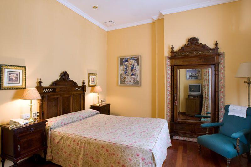 Alabardero Hotel