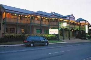 Bayswater Tweed Motel