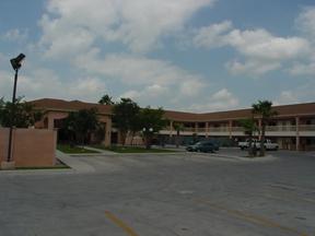 Texas Inn & Suites City Center at UTRGV