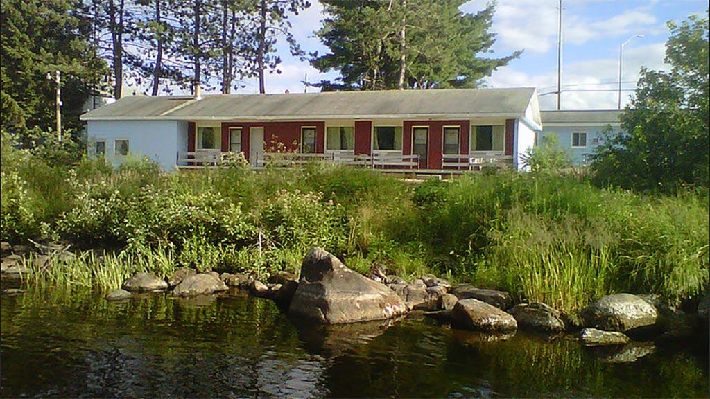 Algonquin River Inn