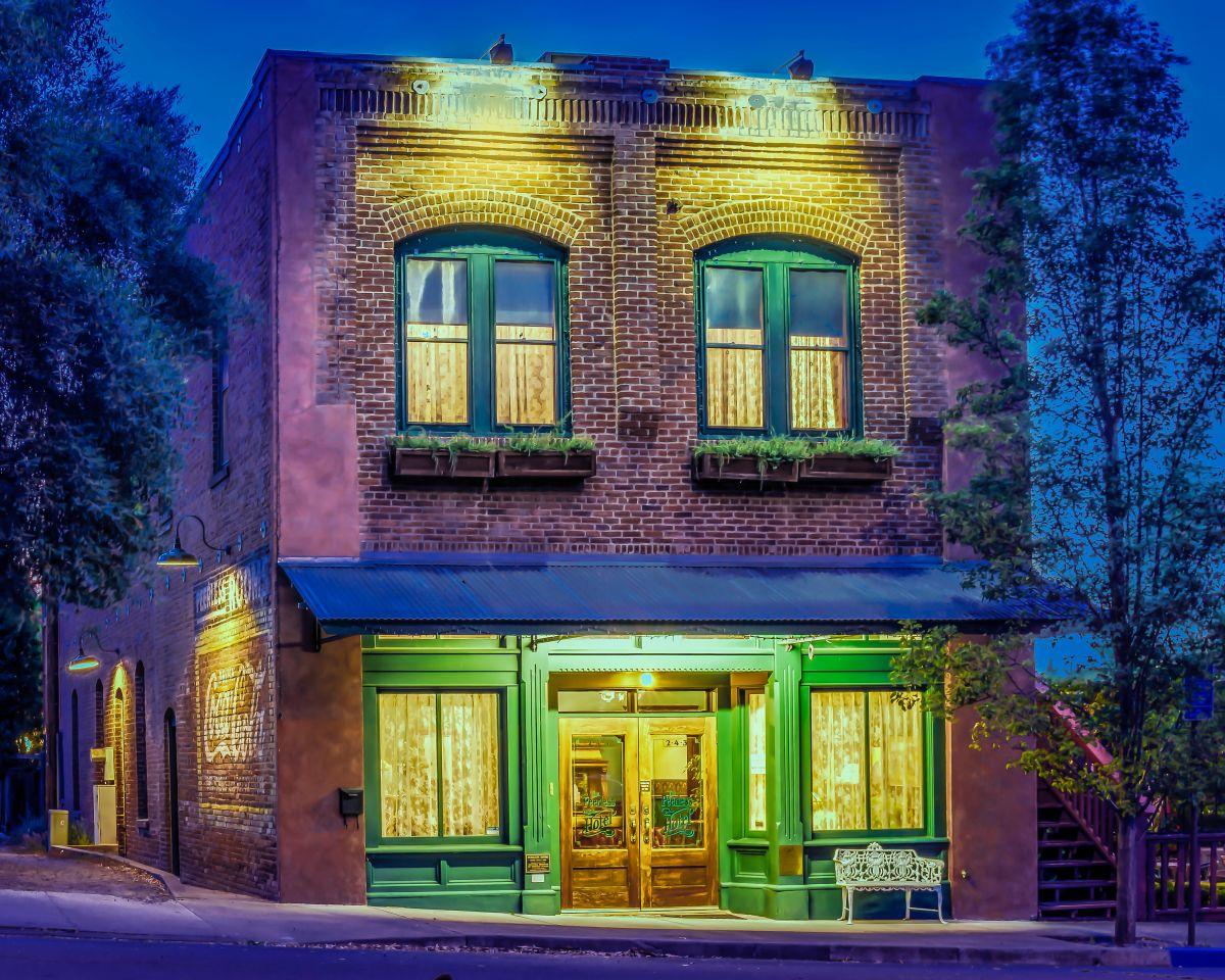 Peerless Hotel & Restaurant