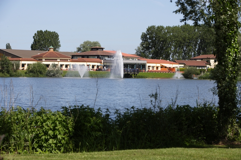 Wyboston Lakes Resort-Waterfront Hotel